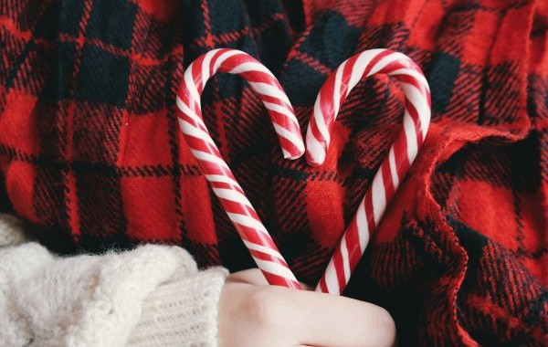 candies-candy-cane-christmas-247076-600x400